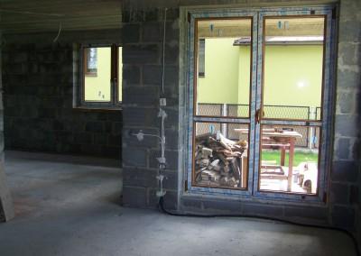 podwojny-balkon-z-poprzeczka-pcv-veka